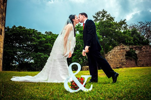 Honor Your Spouse – What Does that Even Mean and How Do We Accomplish it?